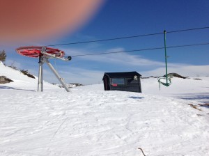 Single chair lift at Hanguren  closed down - mind my finger